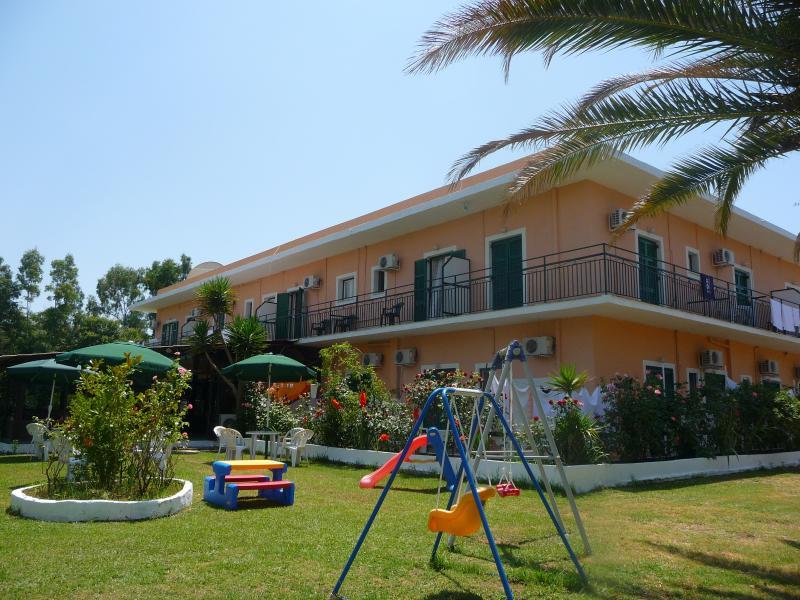 Rose Garden 2, holiday rental in Tzavros