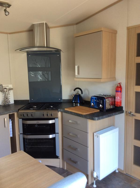 Executive 6 Berth Roxbury Caravan, holiday rental in Badenoch and Strathspey