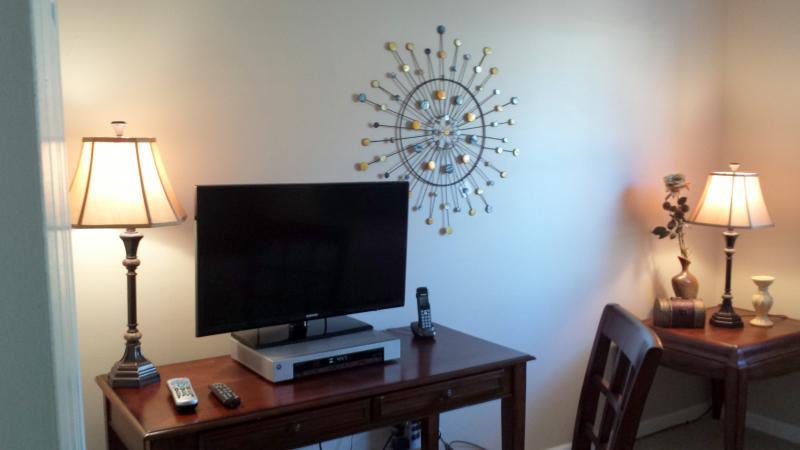 4th Bed Room 32 Inch Samsung Flat Screen, DVR with HBO, Showtime & Cinemax