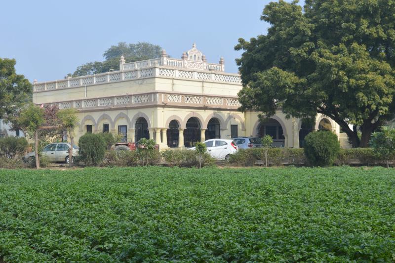 colonial homestay, Ferienwohnung in Agra