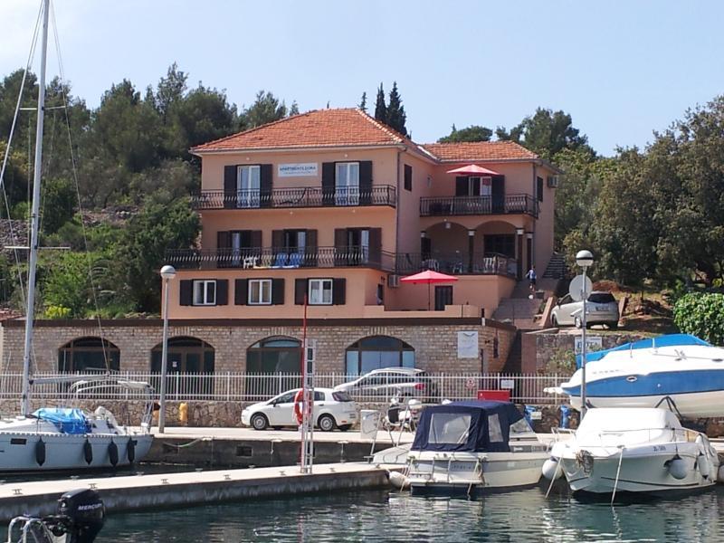 Apartments Dora Vrboska Hvar Croatia - Apartment 5, casa vacanza a Jelsa
