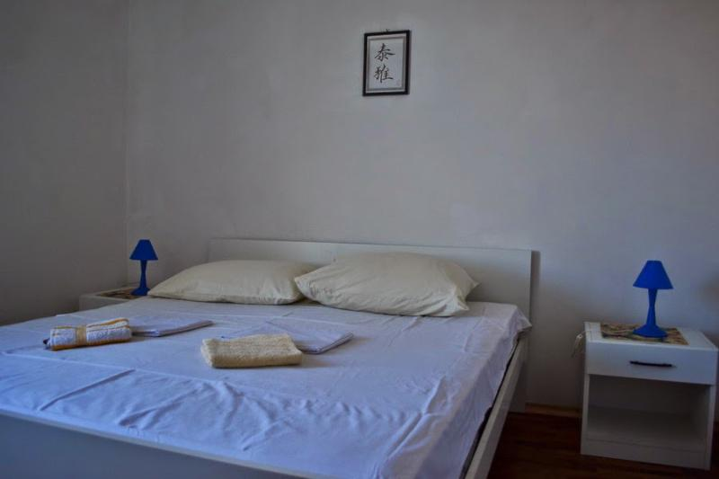 A4_Žuto-plavi (4): bedroom