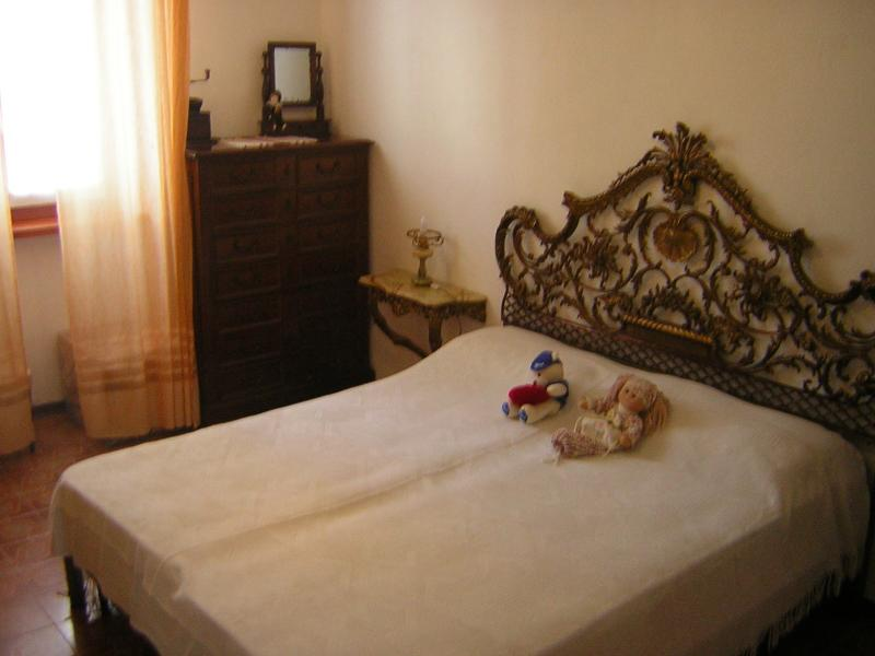 Camera con letto matrimoniale (1), holiday rental in Nichelino