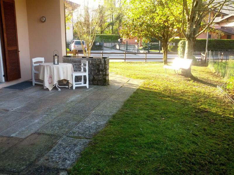 giardino e veranda esterna di prorpietà