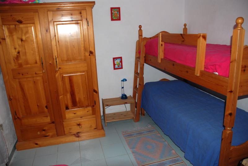 the 3 beds room