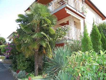APARTMAJI SAMEC - Brin for 4 guests, vacation rental in Izola
