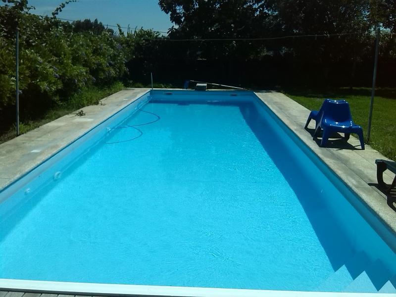 Het Blue zwembad [13,0m x 4,5m x 1,9 (max. Diepte) x 0,9 (min. Diepte)]