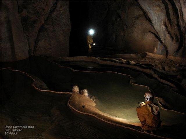 Activiteit en avontuur door Riva Rafting Centar - Cerovac grotten tours