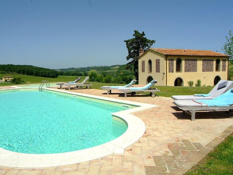 Villa Toscanella - 4 bedrooms, 4 bathrooms, private pool, idyllic context!, casa vacanza a Peccioli
