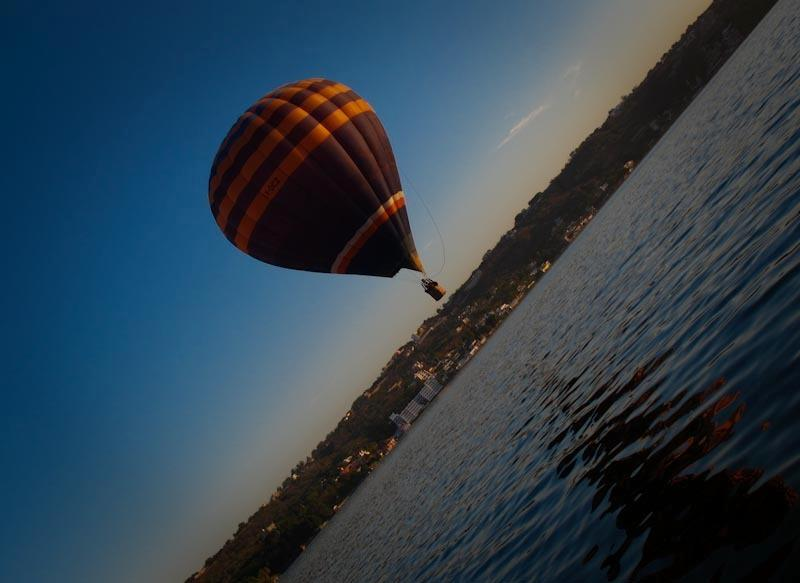 Gliding over Lake Tequesquitengo. Only 20 minutes away