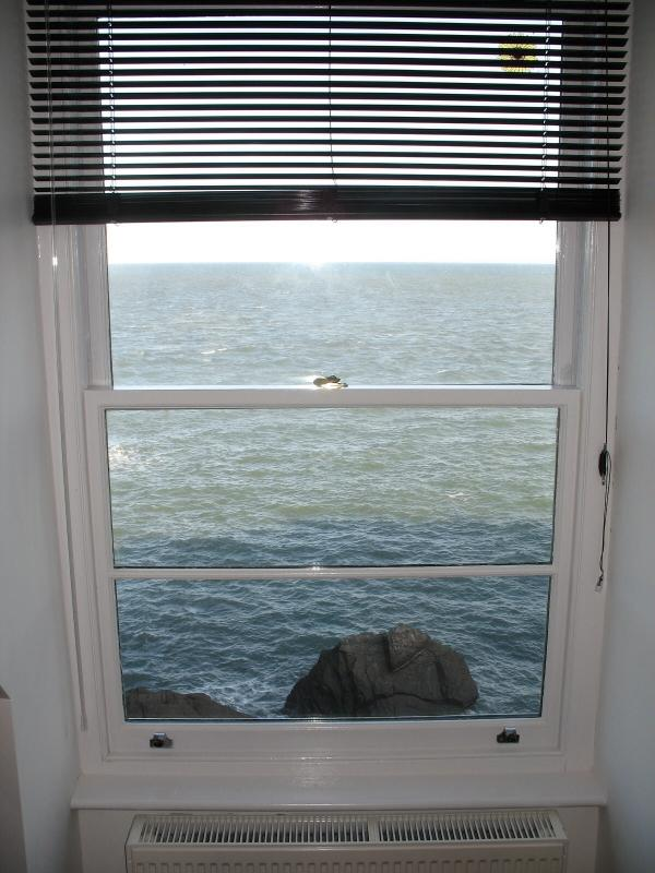 Superb sea view from the kitchen too!