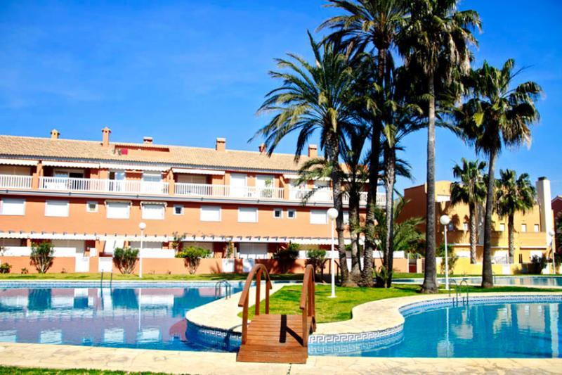 Apartamento en playa del Arenal, holiday rental in Javea