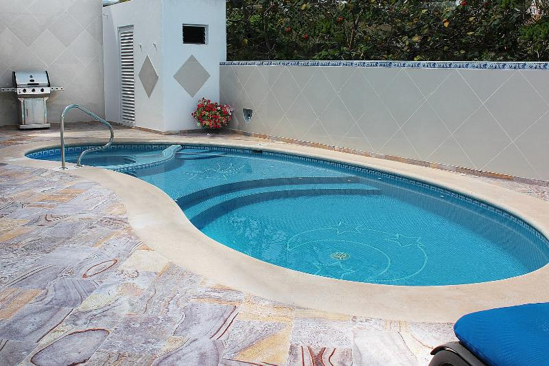 With it's own private pool & hot tub, Casa de la Serenidad is a great choice for your next vacation