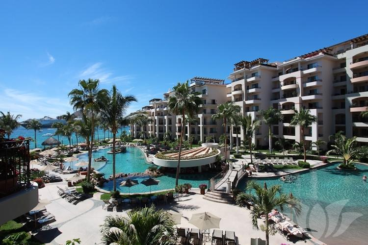 Luxurious condo located within a 5 star resort. Infinity pools, hot tubs, & top-notch restaurants!