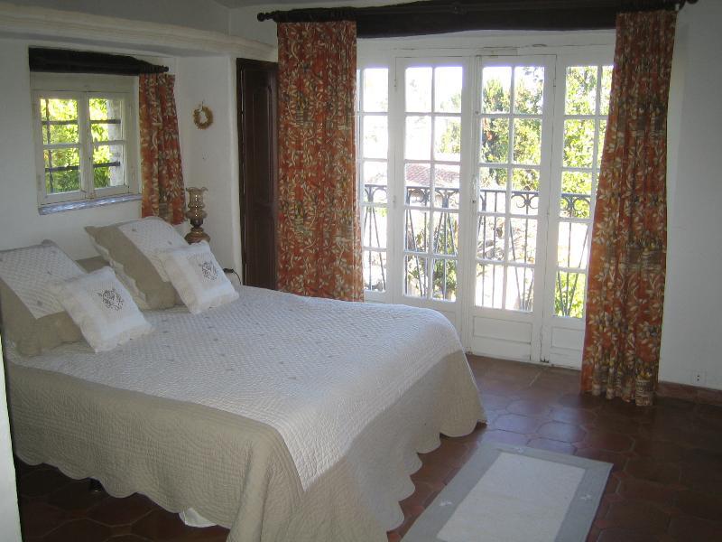 1st floor Master bedroom with ensuite shower room