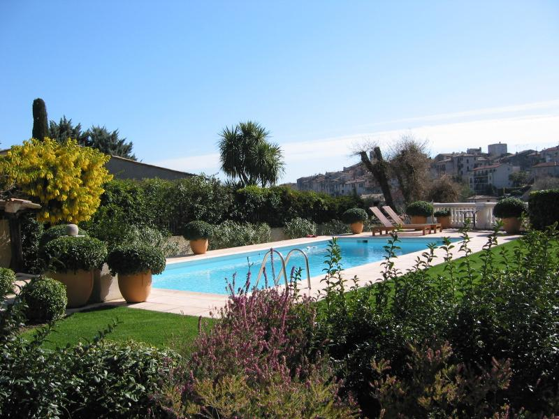 Pool with South view of the Historical center of Vence