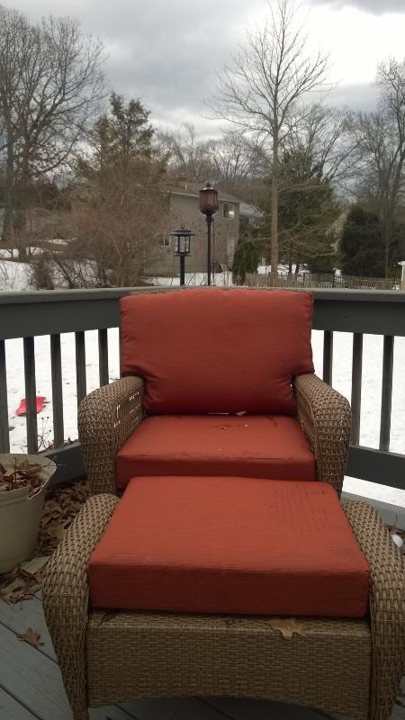 outdoor overstuffed chair