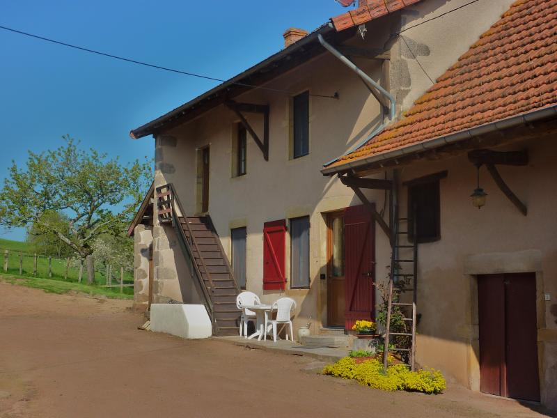 gite au mur d or 1415 , 5  couchages adultes, holiday rental in Bois-Sainte-Marie