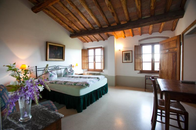 Charming rooms with amazing view and breakfast., vacation rental in San Benedetto