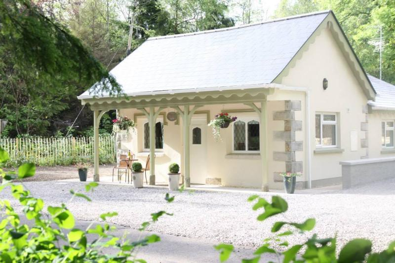 5* Gate Lodge on Blessingbourne Estate, holiday rental in Glaslough