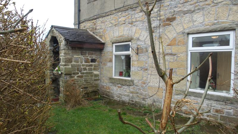 1 SALTAIRE COTTAGES, holiday rental in Keighley