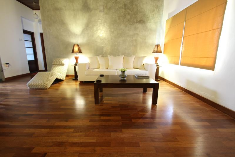 Spacious 2BR Central Colombo 26/3 Gower Street, vakantiewoning in Colombo