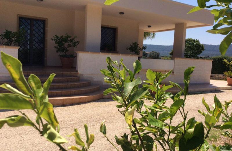 B&B  tra gli ulivi e il mare di Puglia Camera 01, aluguéis de temporada em Fasano