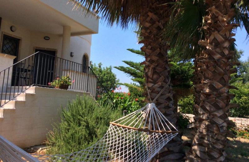 B&B  tra gli ulivi e il mare di Puglia Camera 02, vacation rental in Speziale
