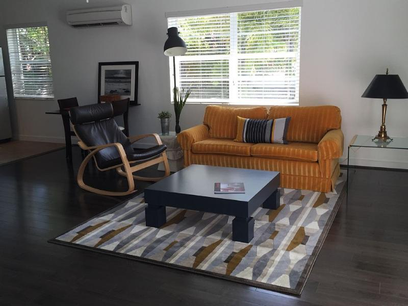 2 ROOMS APARTMENT WALKING DISTANCE TO THE BEACH – semesterbostad i Lauderdale by the Sea