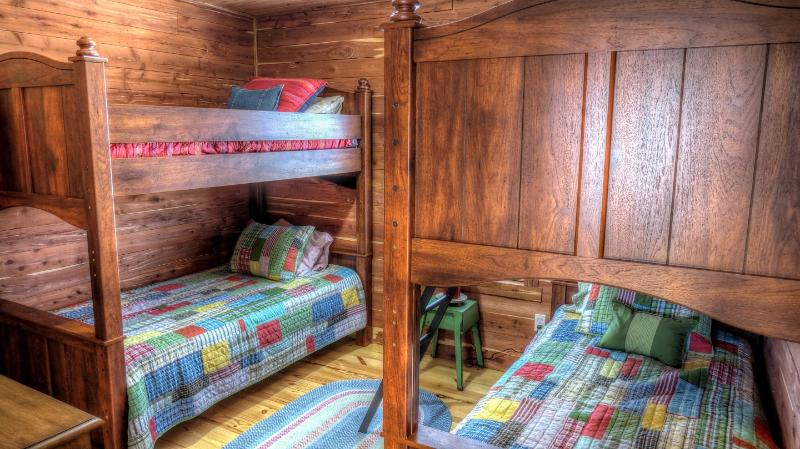 4 BUNK BEDS UPSTAIRS