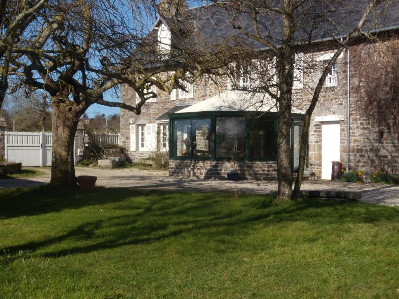 Gîte La Mallouette, Beautiful house, nice garden, holiday rental in Manche