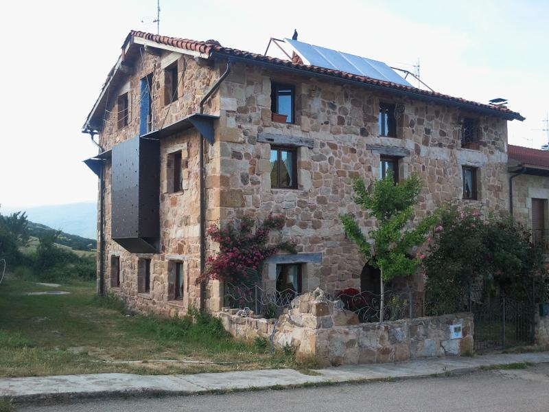 Casa Rural La Ermita, holiday rental in Hontoria del Pinar
