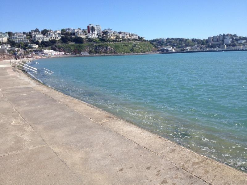 The town centre and harbour just a 15 min walk along Torquay seafront 5 minutes from the property