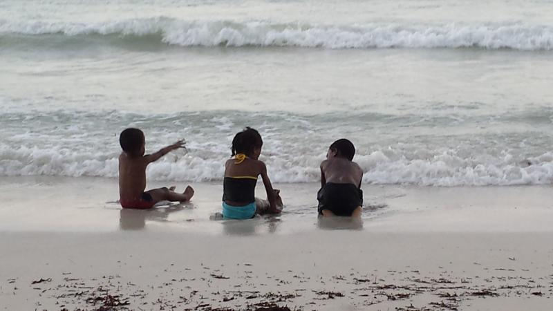 Onze kinderen genieten van het Burwood openbare strand ligt minder dan 10 minuten van Cabaña Papaya!
