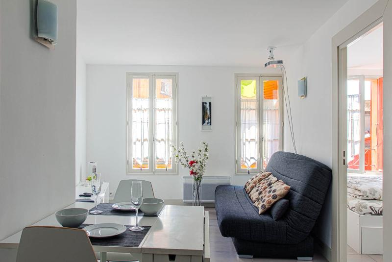 Soleiada apartment in the heart of the old town! – semesterbostad i Nice