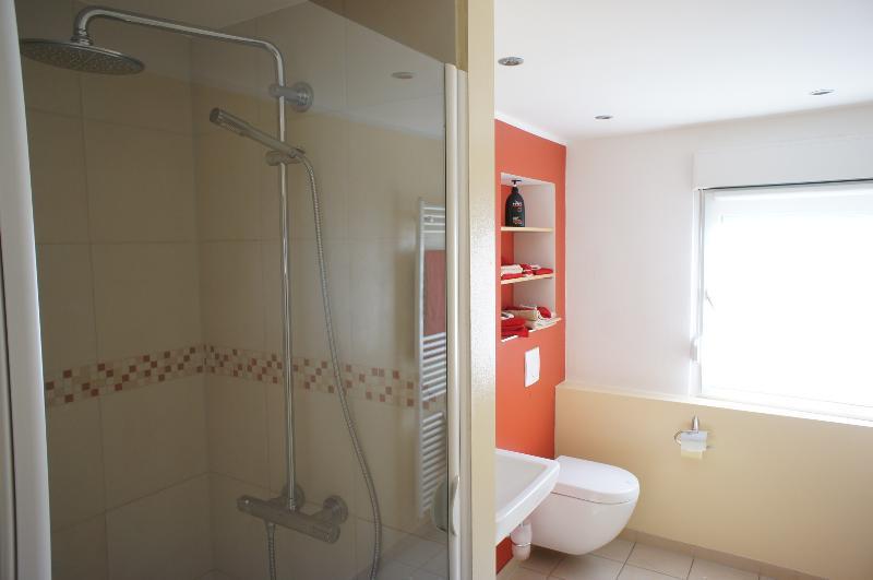 Familia cuarto de baño ducha Wiith