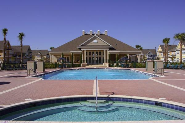 Clubhouse - Pool and Jacuzzi