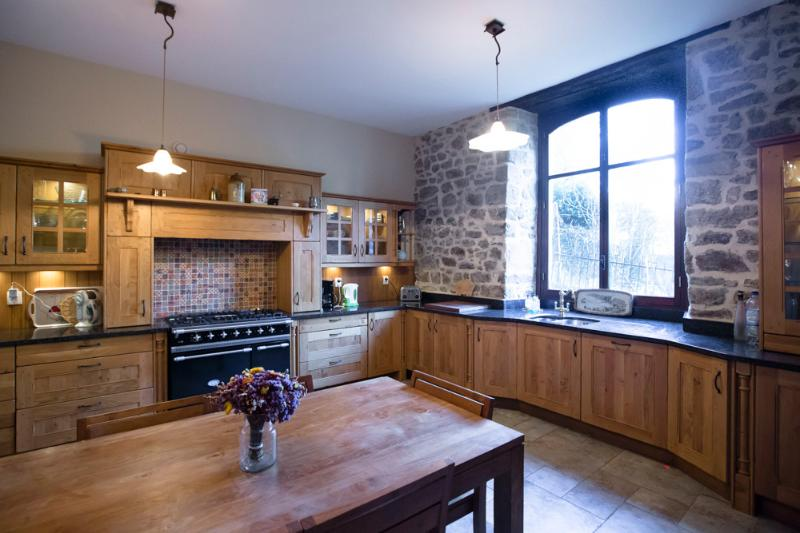 Luxury 4 bedroom house in Dinan Port, alquiler vacacional en Lanvallay