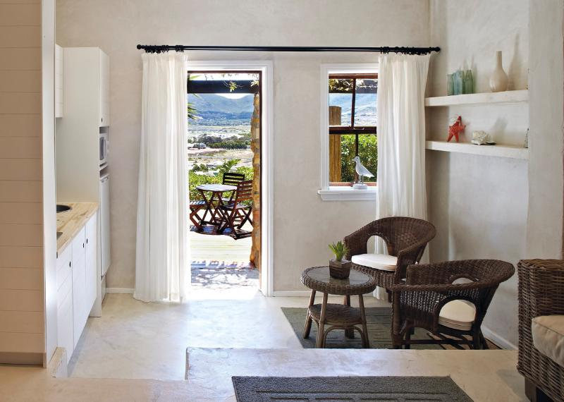 Design Studio Apartment, and deck with view, location de vacances à Sun Valley