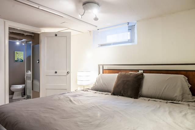Comfy 12' memory Foam King Bed