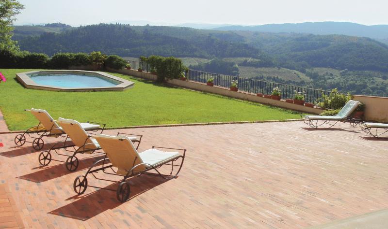 Castello di Pergolato, holiday rental in Calcinaia