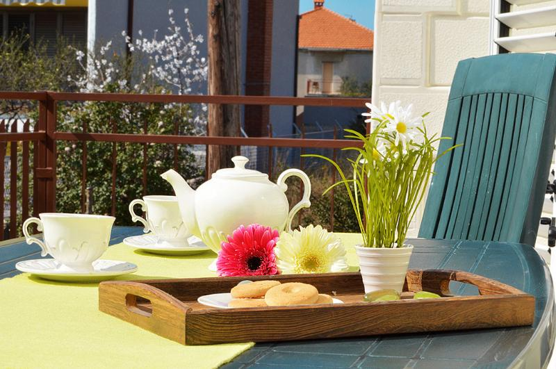 Apartmani ANA, vacation rental in Donji Seget