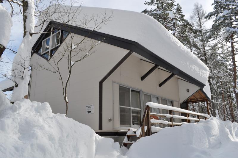 Hanna's House in snow