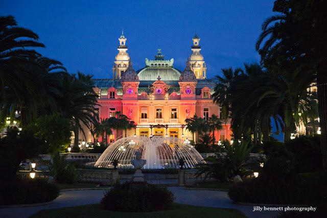 Nothing quite like the Casino at Xmas! Monaco is really special at this time of year.