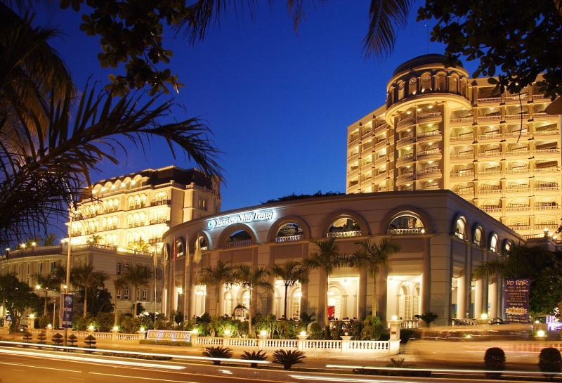 SUNRISE NHA TRANG BEACH HOTEL & SPA, alquiler vacacional en Nha Trang