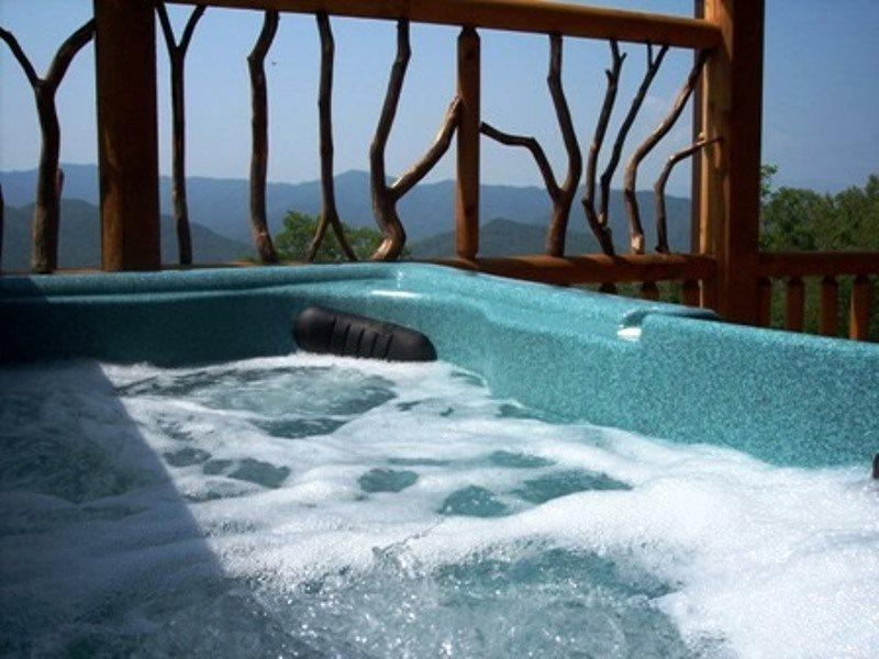 Peace of the Mountain - Unforgettable View, Sparkling Hot Tub, and a Loft Game R, vacation rental in Bryson City