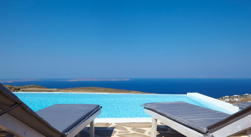 private Infinity-pool