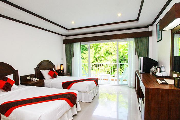 Tritrang Beach Resort by Diva management, holiday rental in Patong