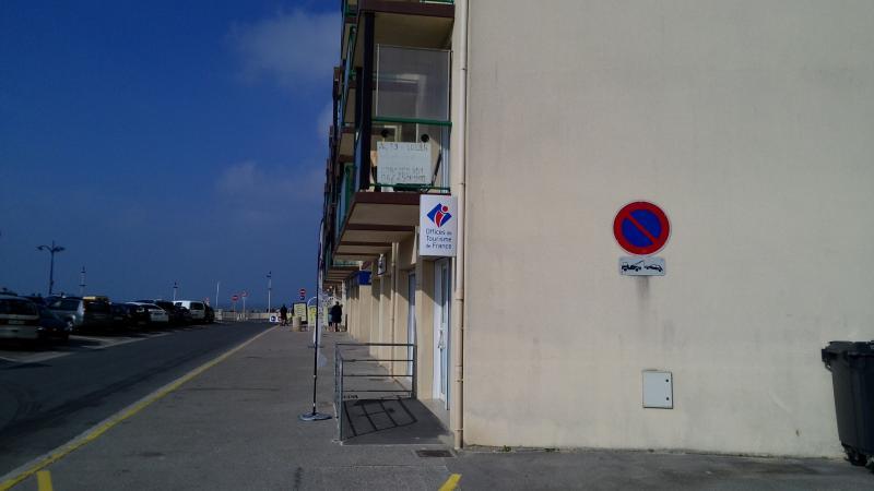vue de l'entrée parcking