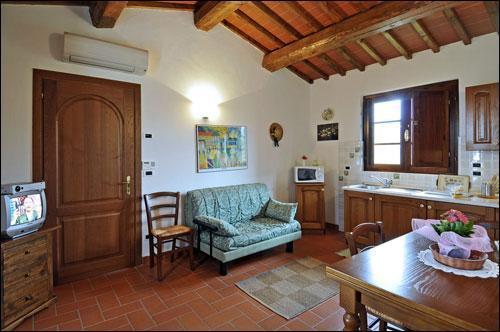 Tenuta Il Vallone - Appartamento Elleboro, aluguéis de temporada em Monsummano Terme